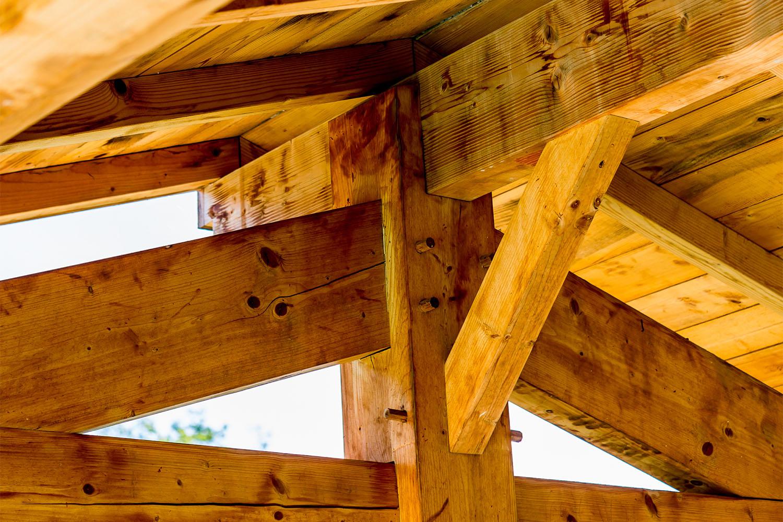 Alca bois charpente traditionnelle en bois massif et for Bois traite classe 2